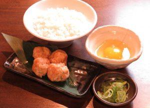 鶴見の居酒屋「とりいちず」で〆まで美味しいこだわりの水炊きを堪能!